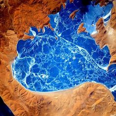Scott Kelly spotted La'nga Co, a saltwater lake in western Tibet just north of the China-India border. 📷: Scott Kelly @nasa #earthporn #china #india #border #earthpix #beautiful #amazingearth #instafollow