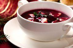 Wypróbuj przepis Magdy Gessler na wigilijny barszcz czerwony z uszkami. Pierwsze danie, które pojawia się na świątecznym stole powinno być naprawdę wyjątkow...