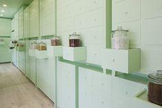 Colores verde menta para una clínica de acupuntura