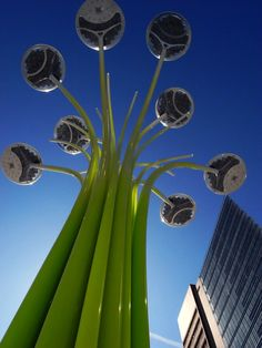 Designed by Welsh designer Ross Lovegrove and manufactured by Artemide, Solar Tree is an urban lighting system