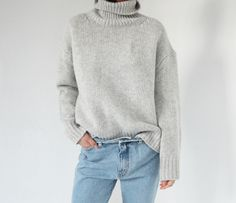 Long sleeve roll neck ! #standcollar #fashion #greyoutfit