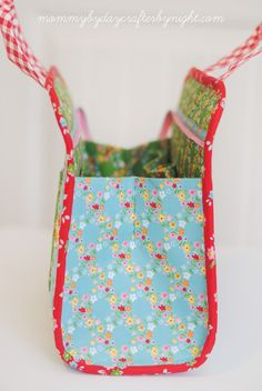 Mommy by day Crafter by night: Backyard Roses Blog Tour // Maker's Tote