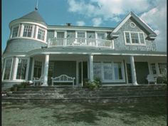 The home from the movie, What Lies Beneath...my absolute dream home!