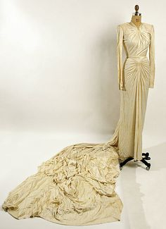 Wedding ensemble Nettie Rosenstein (American, Date: 1944 Culture: American Medium: rayon. Vintage Gowns, Vintage Bridal, Vintage Outfits, Vintage Weddings, Vintage Clothing, Vintage Couture, Gorgeous Wedding Dress, Beautiful Gowns, 1940s Fashion