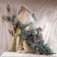 How elegant Santa can be even in the frosty winter - gorgeous Holly King Father Christmas, Blue Christmas, Santa Christmas, Vintage Christmas, Christmas Time, Christmas Crafts, Christmas Decorations, Christmas Ornaments, Primitive Santa