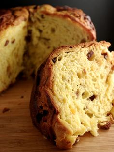 Panettone. Links to blog in Italian, but couldn't resist yummy photo. Google Translate anyone?