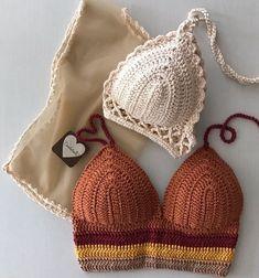 für Badebekleidung # Crochet pattern for swimwear Crochet Bikini Top, Crochet Blouse, Knit Crochet, Crochet Shorts, Crochet Mignon, Confection Au Crochet, Mode Crochet, Crochet Woman, Crochet Gifts