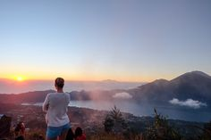 Hiking is good for you both physically and mentally, build strength in your glutes, quadriceps, hamstrings, and the muscles in your hips and lower legs #improvebalance www.bodiku.com #trainingprogram #optimumhealth #bali SUNRISE