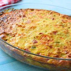Easy Denver Omelet Hash Brown Casserole is part of food_drink - Easy Denver Omelet Hash Brown Casserole Recipe This egg casserole is loaded with eggs, potatoes, ham, cheese, and all the veggies in a Denver omelette Breakfast Dishes, Breakfast Time, Best Breakfast, Breakfast Recipes, Breakfast Ideas, Ham And Egg Casserole, Breakfast Sushi, Sausage Hashbrown Breakfast Casserole, Breakfast Omelette
