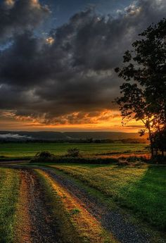 """Country Living ~ After the Storm Sunset by Tom Lussier Photography. """"Short Hill Mountain in the background. The misty clouds over the mountain on the left often appear right after a downpour. Beautiful Sunset, Beautiful Places, Country Life, Country Roads, Living In The Country, North Country, Landscape Photography, Nature Photography, Storm Photography"""
