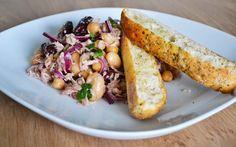 Bonensalade Met Tonijn En Paprika - Receptenbundel.nl Frijoles, Lunches, Risotto, Grains, Rice, Yummy Food, Vegetables, Healthy, Ethnic Recipes