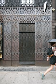 a+t - 6a Architects. Paul Smith. Cast iron facade. London, 2012