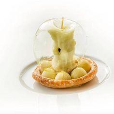 famous apple dessert from chef at . - famous apple dessert, chef at -The famous apple dessert from chef at . - famous apple dessert, chef at - The. Food Design, Patisserie Fine, Fancy Desserts, Unique Desserts, Gourmet Desserts, Gourmet Foods, Beautiful Desserts, Health Desserts, Plated Desserts