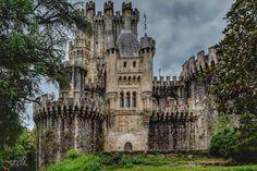 Castillo de Butrón (Gatika)   En  euskera: Butroe o Butroeko gaztelua, es un edificio de origen medieval ubicado en el término municipal de Gatica, en la provincia de Vizcaya, en País Vasco