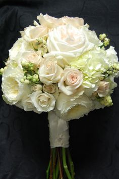 Without a doubt my favorite bouquet from 2011.  In my opinion, perfection!