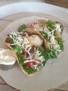 Keto Tortillas/Taco's – Ainas Ketoverden Keto Tortillas, Chili, Tacos, Pizza, Mexican, Ethnic Recipes, Food, Chile, Chilis