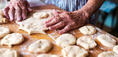 A nagyi kelt tésztájának a titka + 5 szuper recept - Receptneked.hu - Kipróbált receptek képekkel Ring Cake, No Bake Pies, Scones, Stuffed Mushrooms, Bread, Baking, Food, Hispanic Heritage, Heritage Month