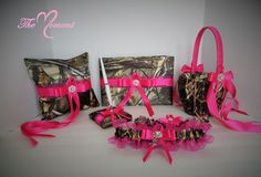 Realtree Camo with Hot Pink Wedding Set