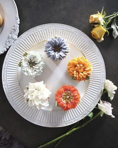 These Stunning Floral Cake Decorations Look Almost Too Good To Eat  Chatty Buddha