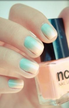 Ombre nails. Trying this tomorrow!