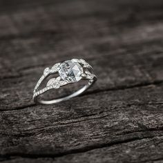 Créations | Elodie Jacquinot Bague de fiançaille sur-mesure diamant taille rose 0,75ct or blanc Custom made Engagement ring  Rose cut diamond 0,75ct, white gold www.elodiejacquinot.com