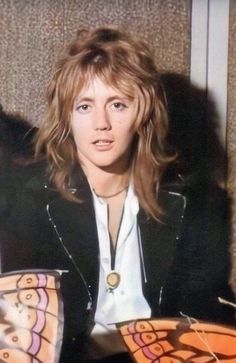 Let's be honest- he's to pretty to be real Queen Drummer, Drummer Boy, Queen Pictures, Queen Photos, Pink Floyd, Brian Rogers, Taylor Rogers, Queen Brian May, Princes Of The Universe