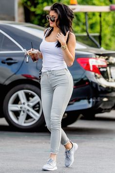 Kylie Jenner out in Calabasas (Aug. 3, 2015)
