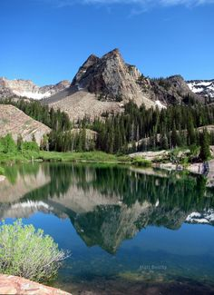 Sundial Peak Over Lake Blanche: Located in the Wasatch Mountains, east of Salt Lake City, Utah. Photo: Matt Beatty