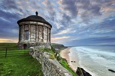 Google Image Result for http://www.myphotographyjourney.com/images/Mussenden%2520Temple%2520h4.jpg