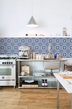 What's a Spanish apartment without tile? We need some--probably in the kitchen and bathroom.