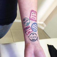 tatuagem de carimbo de passaporte