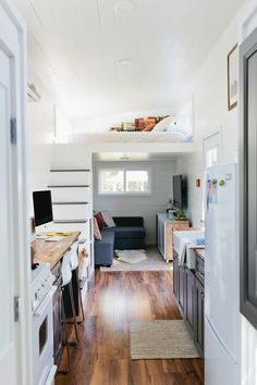 15 best tiny house 200 sq ft images in 2019 cottage tiny house rh pinterest com