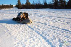 På airboard ligger du på magen med nesa først, noen cm over snøen, og får en vanvittig fartsfølelse nedover løypene. Vi begynner gjerne i det slakke området i nedre del av senteret, før tøffingene setter utfor hengene på toppen. Vi har en egen trasè for airboard – 1,5 km fartsfylt glede.