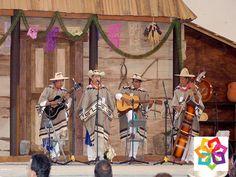 MICHOACÁN MÁGICO TE DICE CÓMO ¿Por qué razón se inició el Concurso artístico de la Raza Purepecha? El Concurso Artístico de la Raza Purépecha surge gracias al interés de un grupo de profesionistas de Zacán, que al ver decaer a la raza purépecha vieron en la música y la danza un elemento que podría ayudar a animar y fortalecer la cultura de los pueblos indígenas. Esto fue a principios de los años 70's. http://www.bestwestern.com.mx/best-western-plus-gran-hotel-morelia/