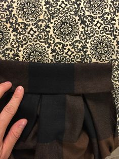 Anthro Inspired Buffalo Check Pleated Midi Skirt Sewing Tutorial + Easy No Mark Pleat Method – The Sara Project Pleated Skirt Tutorial, Pleated Midi Skirt, Skirt Patterns Sewing, Skirt Sewing, Sewing Hacks, Sewing Tutorials, Buffalo Check Fabric, African Prom Dresses, Sewing Stitches