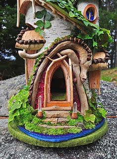 fairie cottage... Or nifty birdhouse!