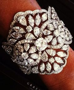 Luxury Exquistely de beauty bling jewelry fashion