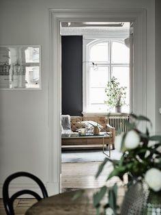 murs noirs et papier toile de Jouy