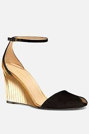 nice wedge by Gucci S/S 2012 Can only imagine a leggy one on this with summer pants and a light chiffon top. Oh La La !
