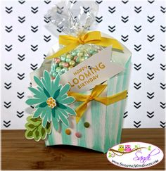 Stampin' Up! Flower Patch, Flower Fair framelits, photopolymer, Would make a cute party favor