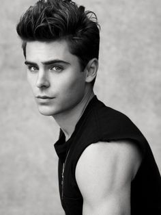 Omg he is so beautiful...Zac Efron <3