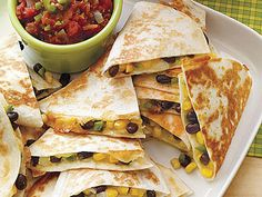 Cheesy corn and black bean quesadillas. I have a few recipes similar to this one already but I'm always looking for the best possible combo. Vegetarian Recipes Easy, Meat Recipes, Mexican Food Recipes, Cooking Recipes, Healthy Recipes, Mexican Dinners, Delicious Recipes, Meat Meals, Corn Recipes