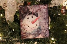 Vintage Snowman Wall Hanging | www.exclusivelychristmas.com