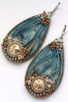 Beaded Shibori Earrings with Swarovski Indigo Green by ZuziHake - Zuzi is beading - Jewelry Ribbon Jewelry, Bead Embroidery Jewelry, Soutache Jewelry, Seed Bead Jewelry, Fabric Jewelry, Beaded Embroidery, Jewelry Art, Beaded Jewelry, Handmade Jewelry