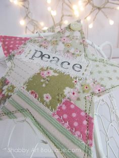 DIY tutorial for Faux Patchwork Christmas Ornies - Shabby Art Boutique