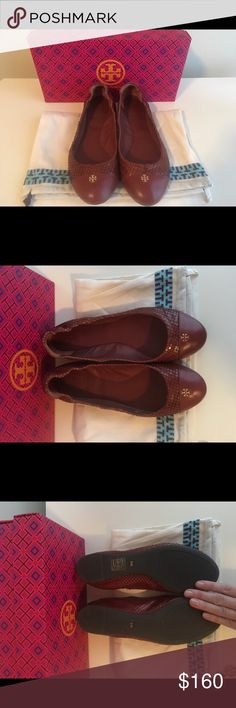 ‼️SALE Tory Burch York ballet flat ‼️SALE Tory Burch York ballet flat. Cherry brown snake print. Brand new! Unfortunately they are to small on me 😭 I ❤️TB! These are gorgeous and match with everything! Tory Burch Shoes Flats & Loafers