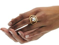Jewelry desiger Angela Huebel creates a wide variety of rings, many adorned with pearls or gemstones but also plain pieces with the warm glow of gold. Pearl Ring, Pearl Jewelry, Jewelry Rings, Silver Jewelry, Jewelry Sets, Jewelry Accessories, Jewelry Design, Contemporary Jewellery, Modern Jewelry