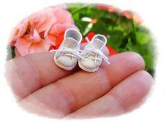 sooo little baby walking shoes