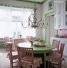 Cute vintage kitchen!!!  this is too cute, love it