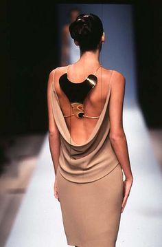 balenciaga spring/summer 1997 dress low-drop with necklace Estilo Fashion, Moda Fashion, High Fashion, Womens Fashion, Couture Fashion, Runway Fashion, Balenciaga Spring, Fashion Details, Fashion Design